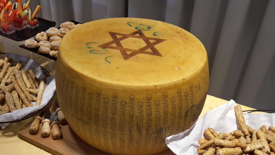 Il Parmigiano Reggiano è diventato kosher