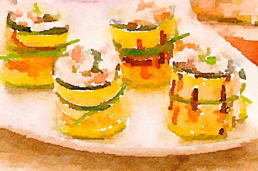 Sushi di zucchina con crudo e robiola