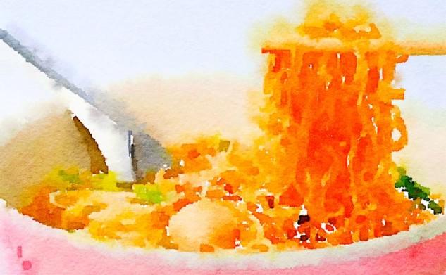 Spaghetti di soia con tonno e olive nere