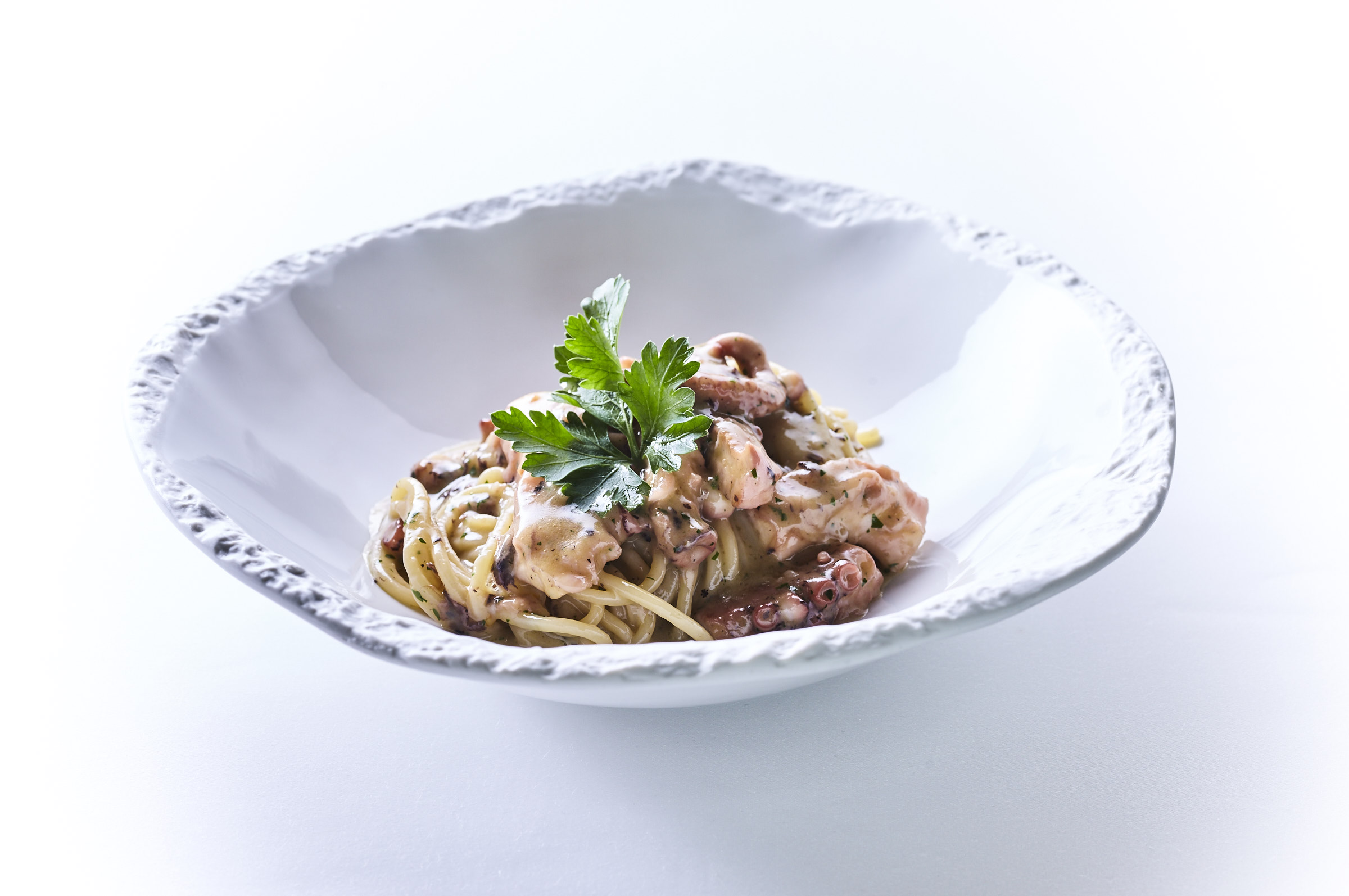 Spaghettoni aglio, olio, peperoncini e polpo