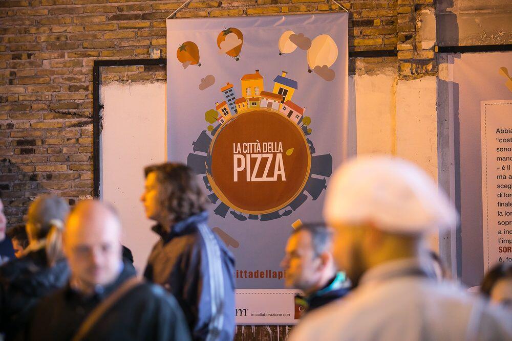 30 maestri pizzaioli chiamati a raccolta a Milano, forni accesi per La Città della pizza